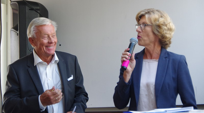 photo of Oddvar Stenstrom and Hanne Gro Haugland who summed up the debate.